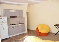 Снять двухкомнатную квартиру в Феодосии, рядом с морем